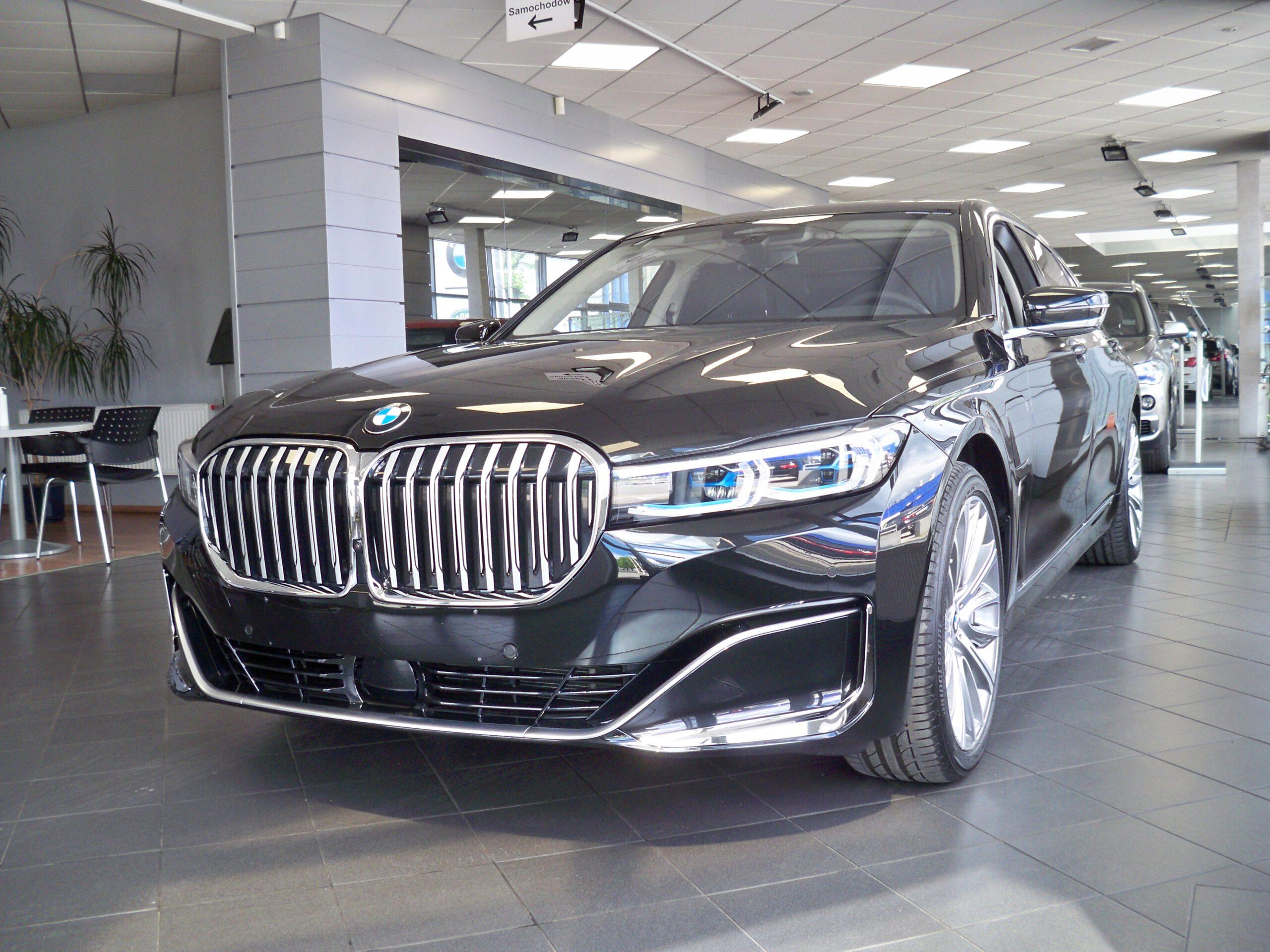 BMW 745LeX G12